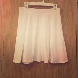 White High-waisted cotton skater skirt (worn once)
